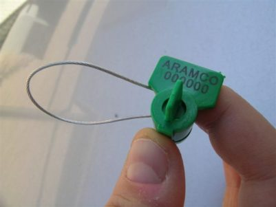 TWISTSEAL Completely plastic seal with incorporated sealing wire